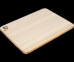 Small Hinoki board with urushi edge angled view showing urushi edge